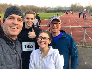 Glücklich im Ziel : Matthias, Lasse, Leonie und Kai
