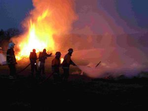 Das größte und tollste was passieren konnte, ein richtiges Feuer musste gelöscht werden.