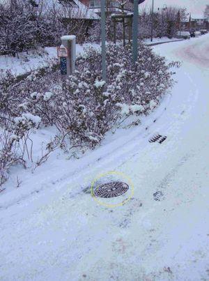 Nach dem nur 1cm Schnee bei Seite geschafft wurde ist der Hydrant wieder zu sehen