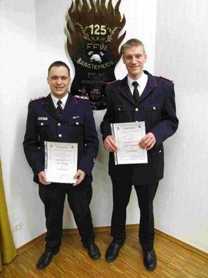 Jan Ohlrogge und Jans Oschmann wurden zu Dienstgrad Löschmeister befördert.