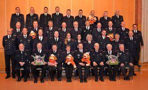 Ein Gruppenbild mit dem Großteil der Brandschutzerziehrinnen und -erziehern