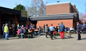 Der Abschluss - gemeinsam Essen am Hilfszentrum Bargteheide